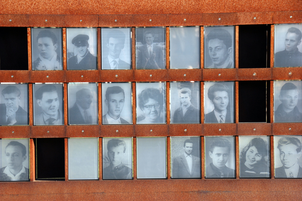 An der Gedenkstätte Berliner Mauer wird auch derer gedacht, die Fluchtversuche mit ihrem Leben bezahlten. (Foto Karsten-Thilo Raab)