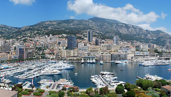 In Monaco liegen Ende September wieder Luxusyachten aus aller Welt vor Anker.