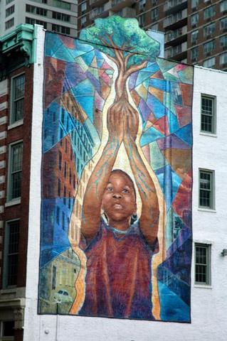 Philadelphias Murals sind im wahrsten Sinne des Wortes echte Huingucker. (Fotos PHLCVB)