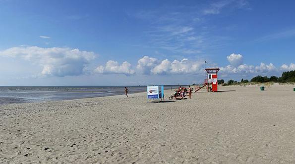 Herrlich breit: Der oft fast menschenleere Strand in Pärnu.