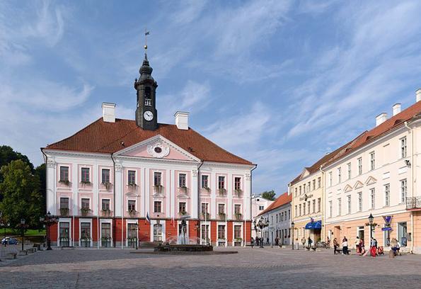 Markanter Blickfang in Tartu: Das prächtige Rathaus.
