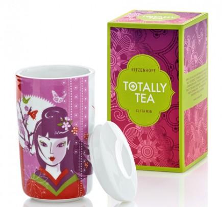 Dank doppelwandigem Porzellan und passendem Porzellandeckel bleibt der Tee in den Ritzenhoff-Bechern lang heiß.