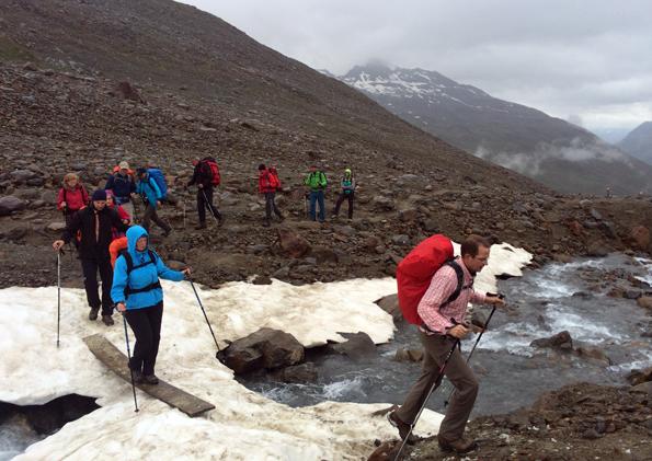 Auf dem Weg zum Similaun Gletscher führt die Strecke auch über Schneefelder. (Foto: Tedda Roosen)