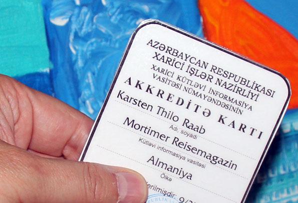 Das Objekt der Begierde: ein Presseausweis für die Arbeit vor Ort in Aserbaidschan. (Foto: Karsten-Thilo Raab)
