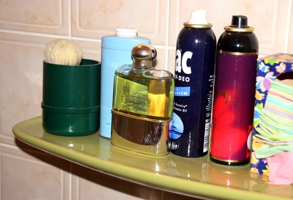 Im Badezimmer der Aplerbecker Wohnung sind noch immer die original Waschuntensilien von Roy Black zu finden. (Foto Karsten-Thilo Raab)