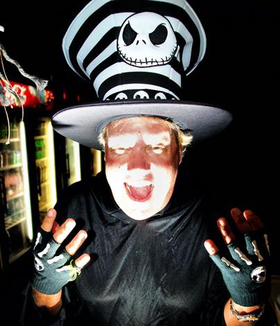 Schön schrecklich: Halloween in Robbies Marina. (Fotos Florida Keys News Bureau)