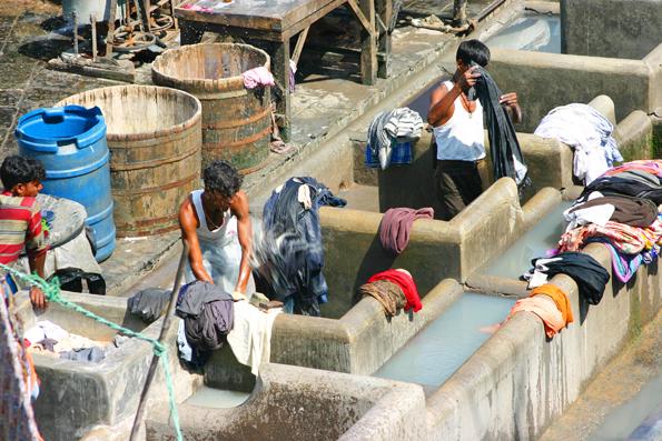 Die Freiluftwäscherei Dhobi Ghat in Mumbai ist länsgt zu einer Touristenattraktion geworden. (Foto: Karsten-Thilo Raab)