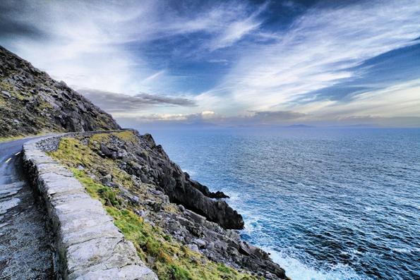 """Vor Irlands malerischen Atlantikküste finden sich mit Porcupine Seabight"""", eine Meeresregion mit den bislang spektakulärsten bekannten Kaltwasserkorallenhügeln weltweit."""