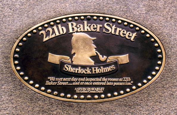 221b  Baker Street - die fiktive Adresse von Sherlock Holmes aus der Literaturvorlage ist längst Wirklichkeit geworden und ist heute Sitz des Museums.