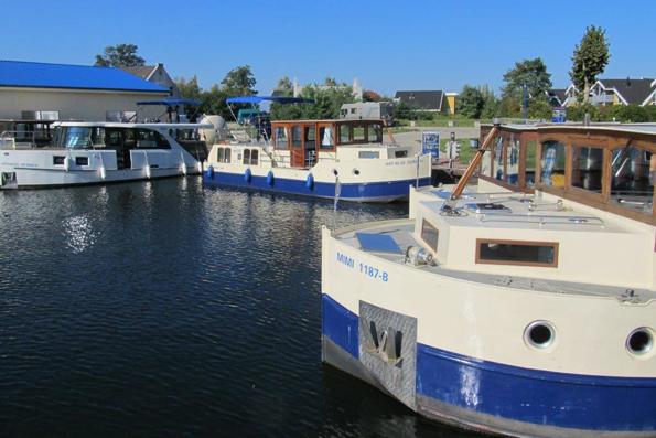 Die Die Hausboote der Kormoran-Baureihe bieten Platz für bis zu acht Personen. (Foto: Gunther Schnatmann)