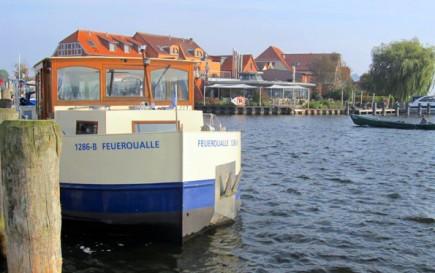 Perfektes Hausboot für einen Familienurlaub an der Müritz: Die Feuerqualle. (Foto Gunther Schnatmann)