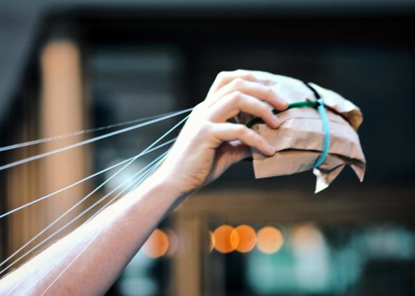 Sorgfältig verpackt und verschnürt machen sich die Jafflechutes auf die Reise. (Foto: WeHeart.co.uk)