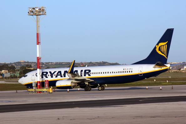 Billigflieger Ryanair musste sogar eine Meuterei der Passagiere in Kauf nehmen. (Foto: Karsten-Thilo Raab)