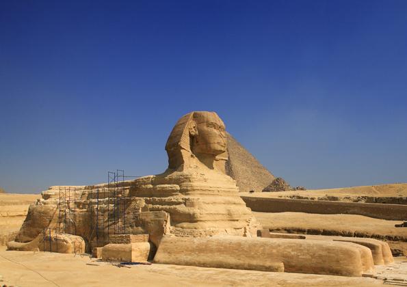 Ägypten sperrt zwischen dem 5. und 21. Oktober aufgrund der angespannten Sicherheitslage seine Wüsten für Touristen.  Betroffen sind Gebiete im Westen und Süden einschließlich der Schwarzen und der Weißen Wüste.
