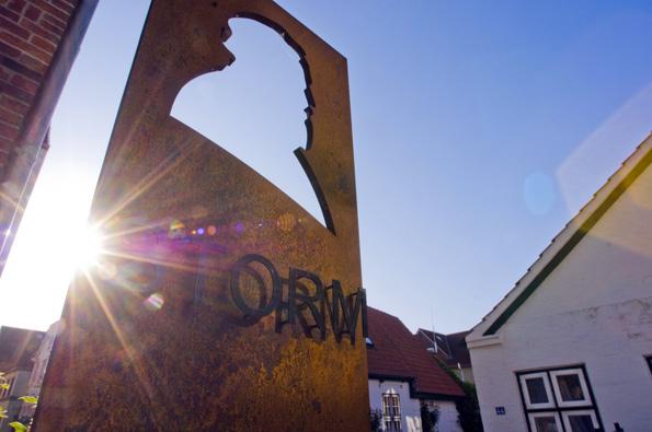 """""""Der Schimmelreiter"""" machte Theodor Storm weltberühmt - in Husum lässt sich einiges auf den Spuren des berühmten Schirftstellers entdecken. (Foto TSMH)"""