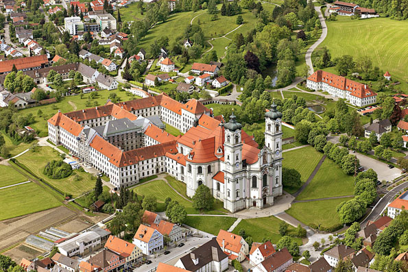 Benediktinerabtei Ottobeuren: spirituelles Zentrum, barockes Juwel und Schauplatz hochkarätiger Konzerte. (Foto: djd)