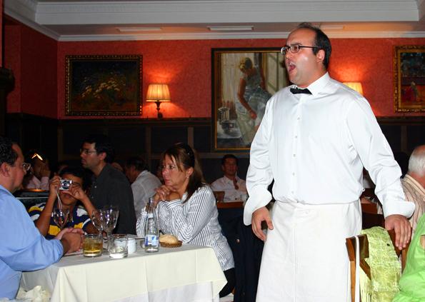 Javier Lassaletta hofft im Restaurant für die große Bühne entdeckt zu werden. (Foto Karsten-Thilo Raab)
