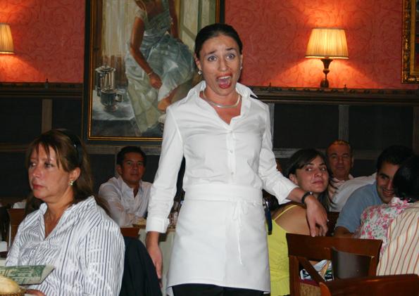 Doppelter Genuss in Madrid: Exzellente Speisen und singende Kellnerinnen im Restaurant La Favorita. (Foto: Karsten-Thilo Raab)