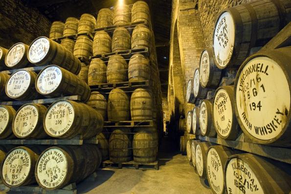 Micro-Destillerie erfahren in Irland eine Renaissance und produzieren zahlreiche schmackhafte und überraschende Whiskey-Sorten.
