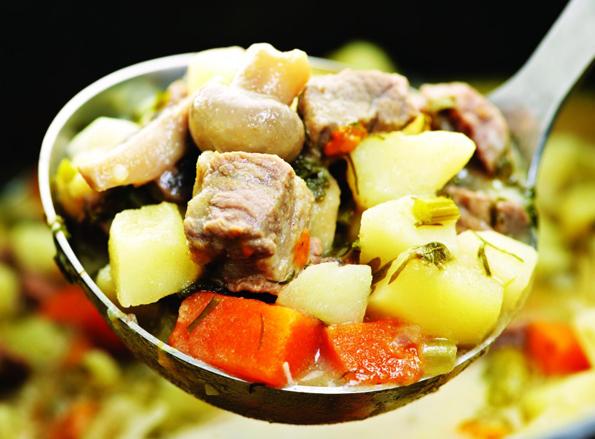 Schmeckt nicht nur in Irland: ein Irish Stew - vor allem dann, wenn man bei der Zubereitung dem Rezept von folgt.