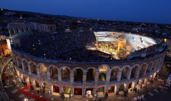 Mehr als 13.000 Besuchern bietet diue Arena di Verona Platz. (Foto Ennevi)