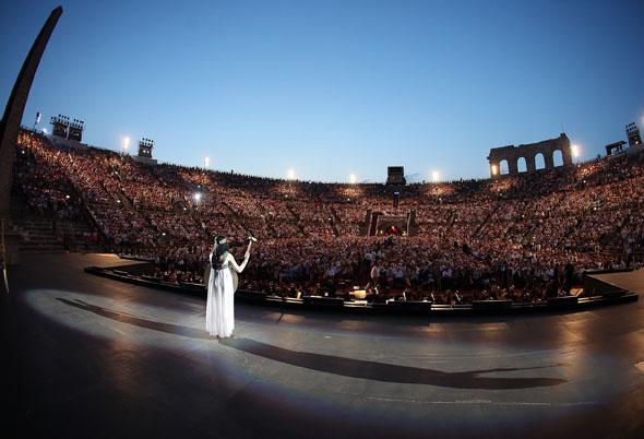 In der Arena di Verona begionnt 2015 die nunmehr 93. Festspielsaison. (Foto Ennevi)