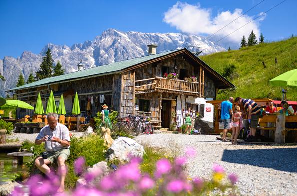 Die Zachhofalm ist eine von neun Hütten, die sich mit ihrer Speisekarte auf die wachsende Zahl an Veganern eingestellt hat. (Foto Hochkönig Tourismus GmbH)