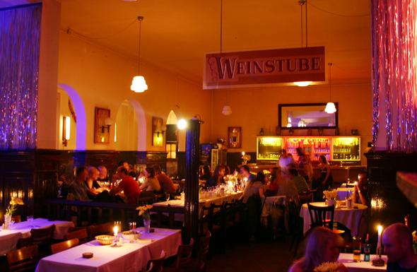 BNerlin zählt mehr als 13.000 Restaurants, Bars und Kneipen, zu denen auch Clärchens Ballhaus gehört. (Foto Karsten-Thilo Raab)