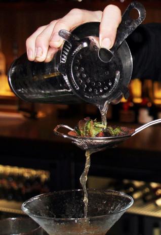 Das Geheimnis eines guten Cocktails liegt in den Zutaten und der richtigen Mischung. (Foto Karsten-Thilo Raab)