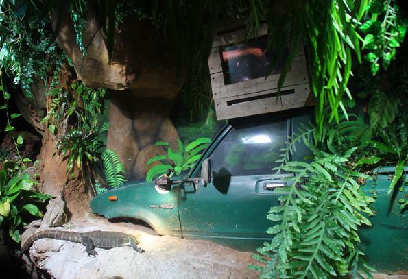 Das Abenetuer Dschungel wirkt ein wenig so, als gäbe es kein zurück. (Foto Ulrike Katrin Peters)