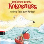 Kleiner Kosmopolit Kokosnuss bereist den Nordpol