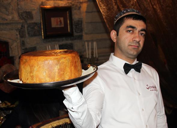 Pilaw, das aserbaidschanische Nationalgericht, darf bei keinem Fest fehlen. (Foto Karsten-Thilo Raab)