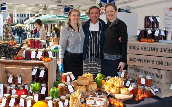 Die Esskultur in Sussex zeiht jedes Jahr beim Food Festival in Brighton rund 160.000 Besucher in ihren Bann. (Foto Visit Brighton)