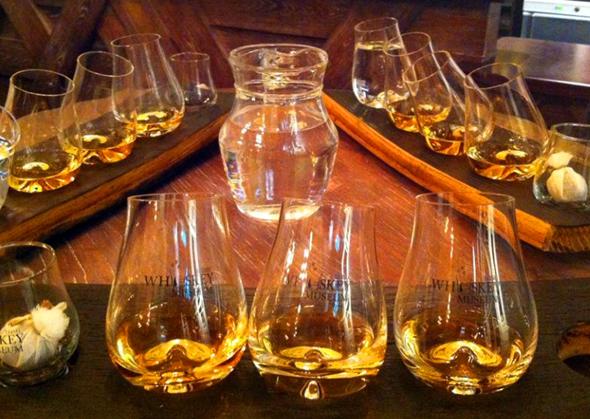 Natürlich mangelt es im Irsih Whiskey Museum auch nicht an der Gelegenheit zu einer Kostprobe.