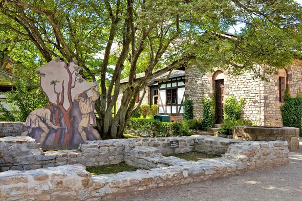 """Das Römerkastell """"Saalburg"""" gehört zum UNESCO-Welterbe Limes, der ehemaligen Grenze zwischen dem Römischen Reich und den germanischen Stammesgebieten, der durch den Taunus verläuft. (Foto: djd)"""