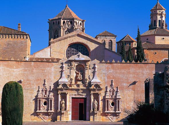 Prächtige Kulisse: das Kloster Santa Maria de Poblet in Vimbodi. (Foto Spanisches Fremdenverkersmat)