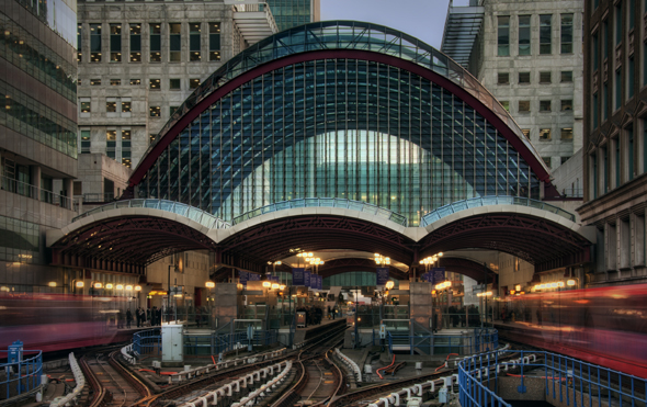 Modern und futuristisch: die Canary Wharf Station auf der Isle of Dogs. (Foto JH Images.co.uk)