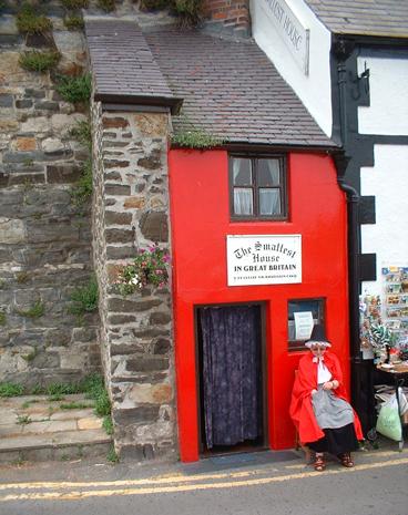 Im malerischen Conwy ist das schmalste Haus in Großbritannien zu finden. (Foto Karsten-Thilo Raab)