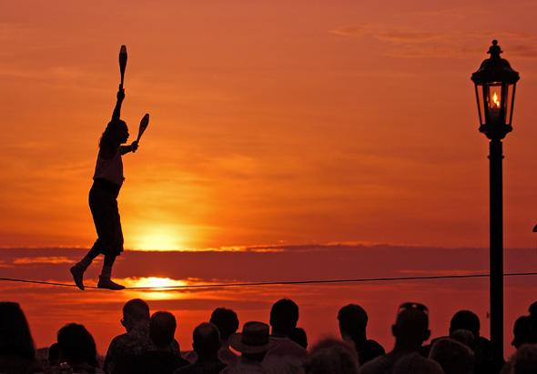 Die Sunset Celebrations sind berühmt für ihre einmalige Atmosphäre. (Foto Bob Krist)