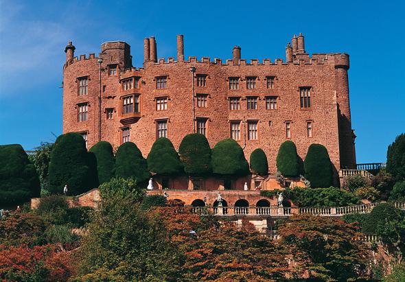 Eines der prächtigen Burgen in Wales: Powis Castle. (Foto Visit Britain)