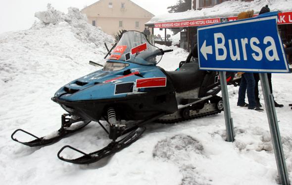 Auch für Snowmobilo gibt es in Uludağ speziell ausgewiesene Pisten udn Routen. (Foto Karsten-Thilo Raab)