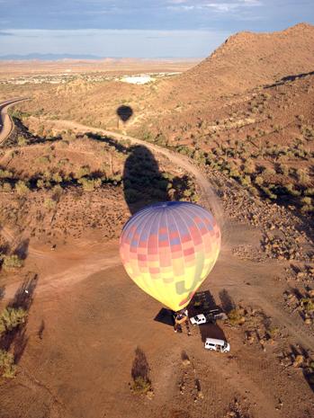 Mit dem Heißluftballon lässt sich ein ganz besonderer Blick auf die Sonora-Wüste genießen.