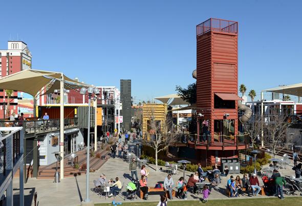 Beliebtes Freizeitareal in Downtown Vegas: der Container Park. (Foto LVNB)