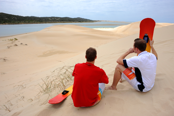 Beliebter Sport: Sandboarding auf den Dünen im Eastern Cape.