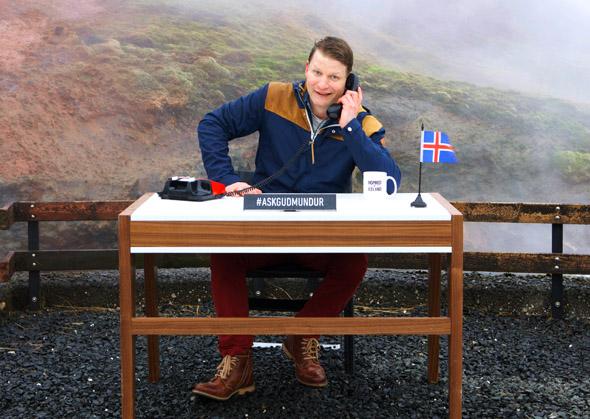 Die Guðmundur nehmen die Fragenden da ihn Empfang, wo sie wohnen. (Fotos Promote Iceland)