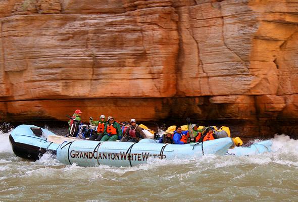 Ein unvergessliches Erlebnis: Eine Bootstour durch den Grand Canyon.