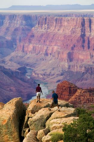 Nicht minder spektakuläre Panoramablicke eröffnen sich vom Rand der Schlucht.