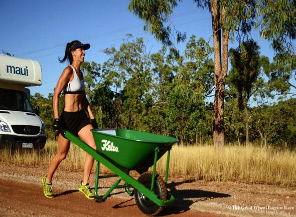 Trotz der riesigen Distanz von gut 150 Kilometern sind die Teilnehmer mit Spaß dabei.
