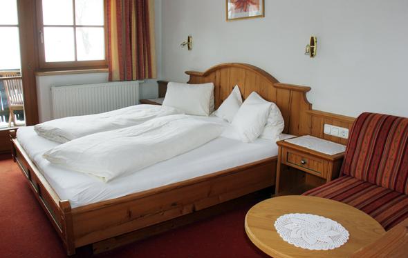 Großzügige und helle Zimmer sind im Hotel Großlehen zu finden. (Foto Karsten-Thilo Raab)