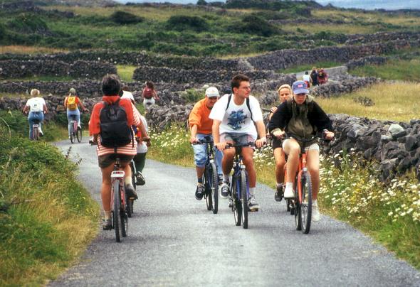 Fahrräder sind beste Möglichkeit die Schönheit der Inselwelt im wahrsten Sinne des Wortes zu erfahren. (Foto Karsten-Thilo Raab)